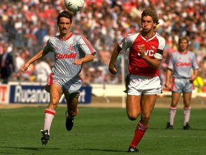 "Tony Adams - ""Mister Arsenal"", la leggenda del santo bevitore"